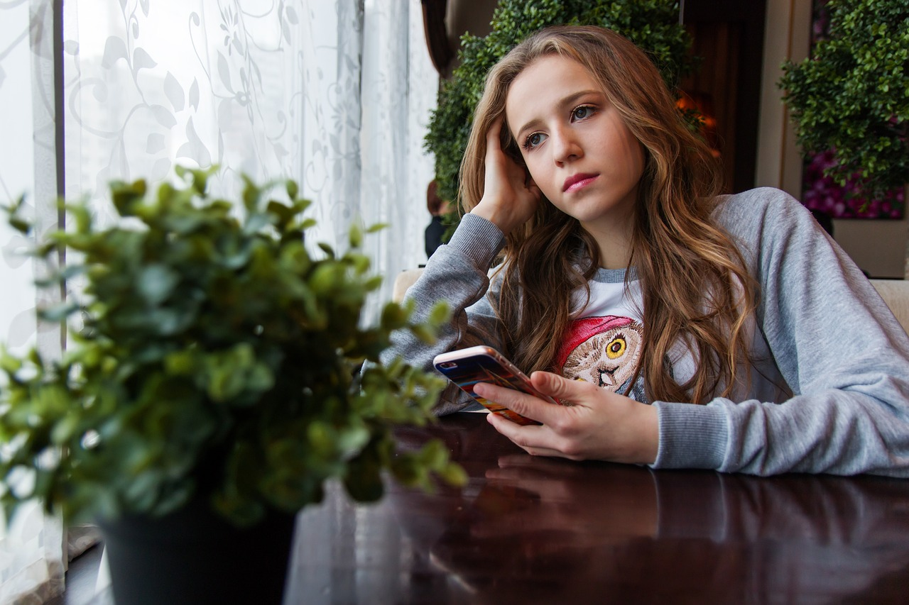 girl1848477_1280.jpg